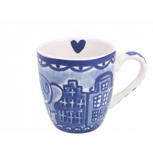 Mini mug kissing